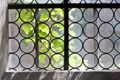 Kirchenfenster-mit-Wein_1024
